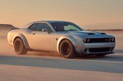 Dodge Challenger 2019 totaliza 17 versões com nova Redeye